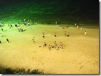 夕食後のプライベートビーチ