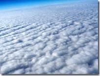 下は厚い雲