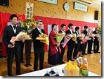 3学年の先生に花束贈呈