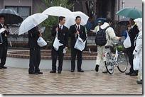 正門横で自転車指導
