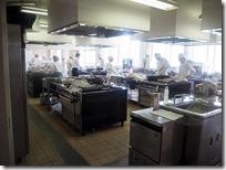調理の様子、集団調理室