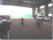 生徒たちの目の前で起きる事故