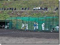 保護者の見守る前で、野球部体験入部