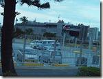 不気味な灰色の大型貨物船