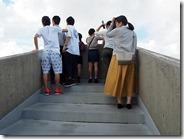 佐喜眞美術館屋上から普天間基地を見る