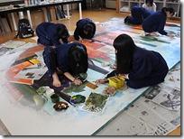 教室(デザイン室)内で作品作り